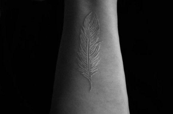 Как выглядят самые популярные направления современных татуировок - перманентные татуировки белыми чернилами