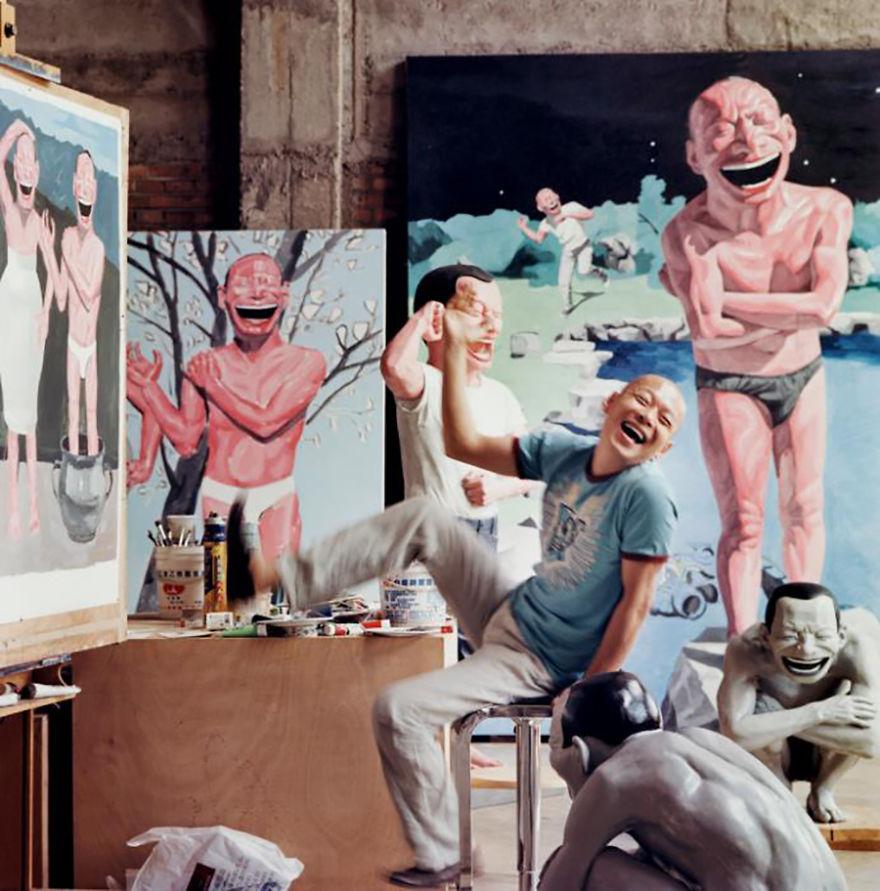 Юэ Миньцзюнь, прозванный «смеющимся художником»
