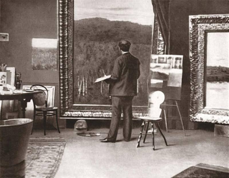 Исаак Левитан за работой в своей мастерской