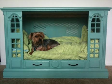 лежак для собак и кошек - в кукольном домике