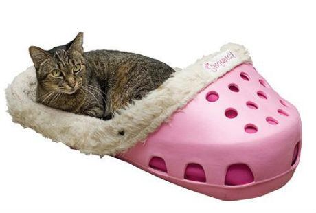 лежаки-тапочки и лежаки-кроксы для котов и собак