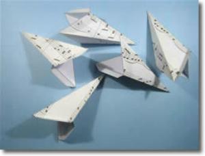 Каждый модуль склеиваем сбоку за язычок, специально предусмотренный в шаблоне