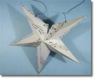 Два парных модуля и один оставшийся склеиваем таким же образом в звезду. При этом первый и последний модуль вместе не склеиваем.