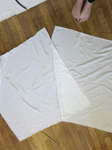 Два сшитых по диагонали платка