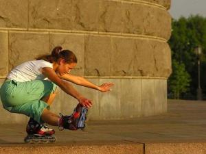 Как кататься на роликовых коньках? Стили катания.