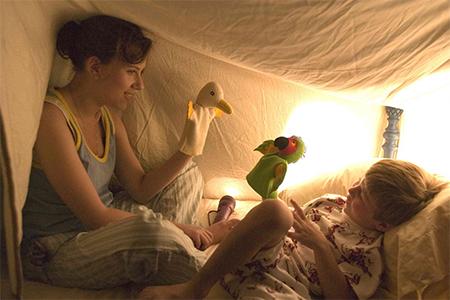 Если вы остаетесь с ребенком вечером, несомненно, вам необходимо будет обеспечить режим сна: вовремя уложить и сделать так, чтобы ваш подопечный уснул