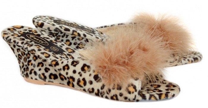 Как выбрать тапочки: разновидности домашней обуви