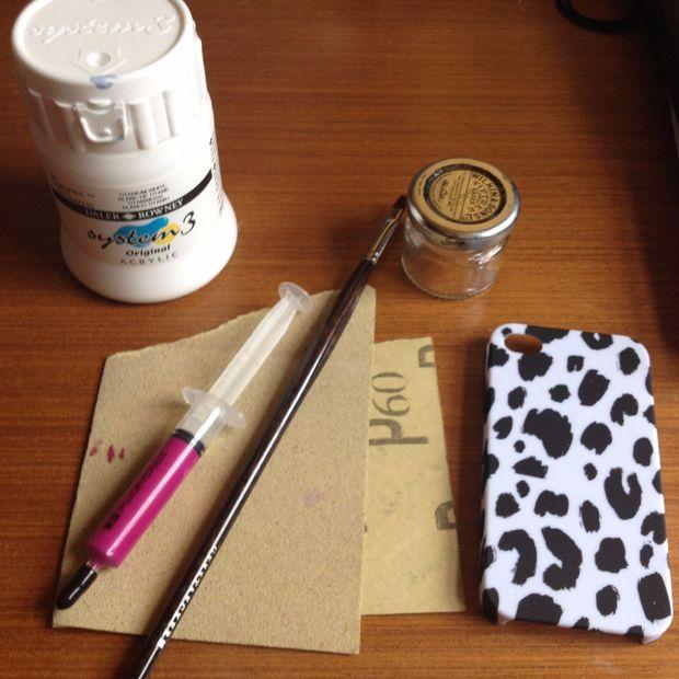Как сделать термочувствительный неоновый чехол для смартфона - исходные материалы