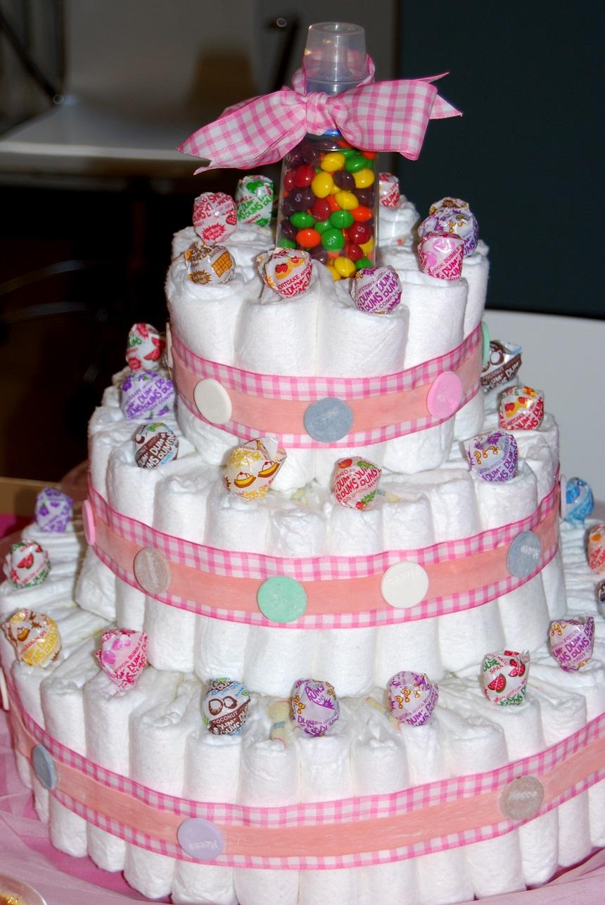 Торт из подгузников: различные варианты украшения