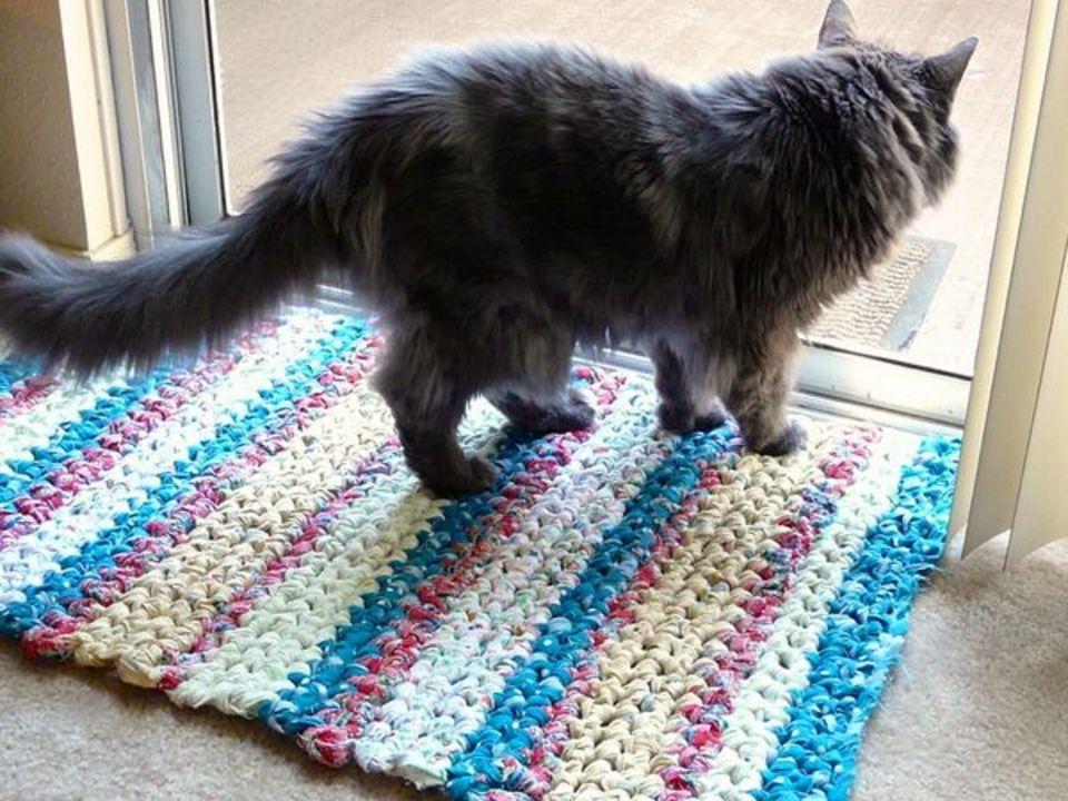Как связать тряпичный коврик