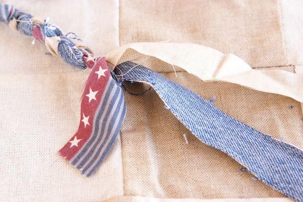плетем косы из нарезанных из ткани лент