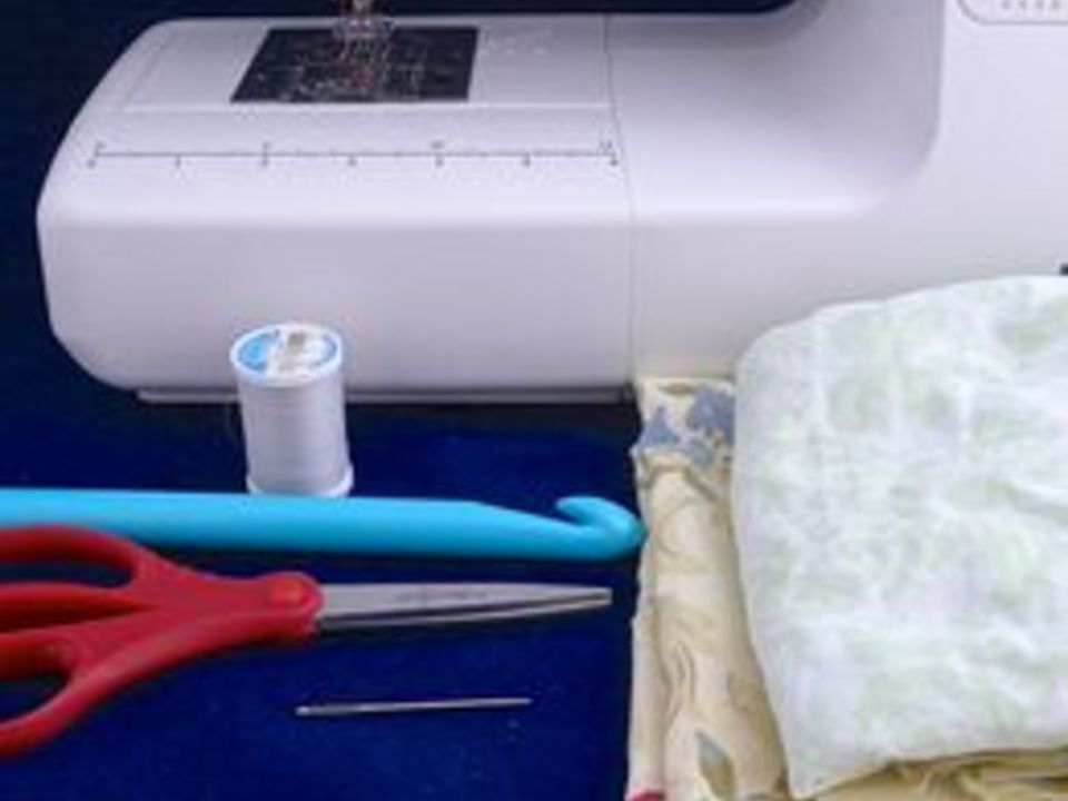 исходные материалы для вязания ковра из полосок ткани