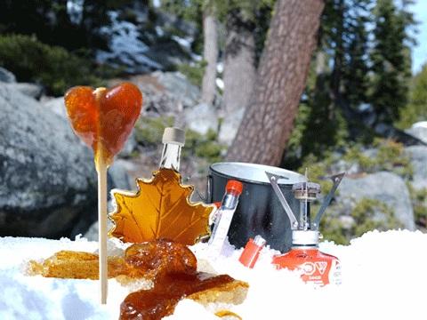 Как готовятся тянучки из кленового сиропа на снегу: старинная канадская традиция