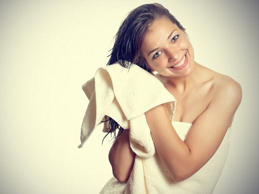Как восстановить сухие и поврежденные волосы