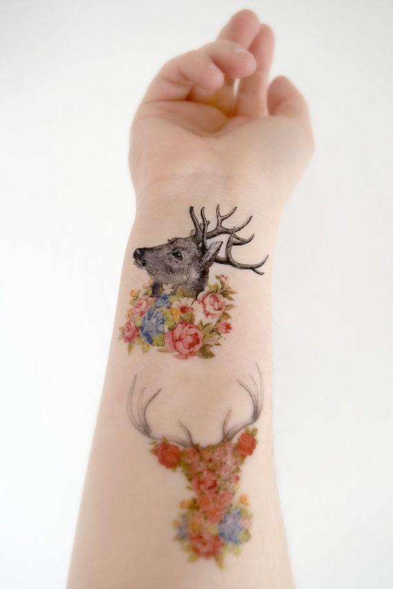 Как выглядит новый тренд – татуировки с винтажными цветами - с оленями на всю руку