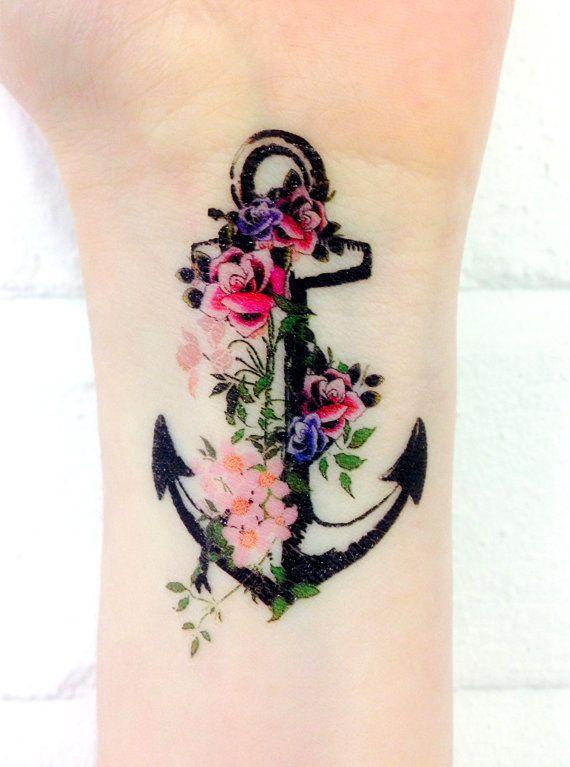 Как выглядит новый тренд – татуировки с винтажными цветами - якорь в цветах