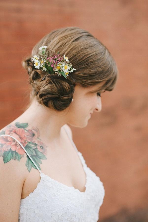 Как выглядит новый тренд – татуировки с винтажными цветами - невестам, чтобы оживить свадебный наряд