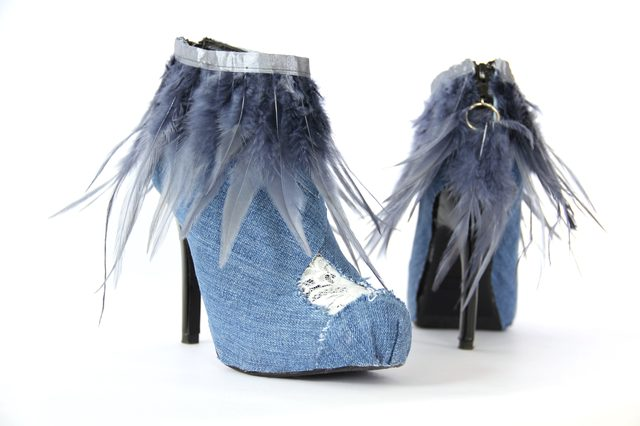 Как модно украсить весенне-осенние ботильоны и полусапожки джинсовой тканью: ботильоны