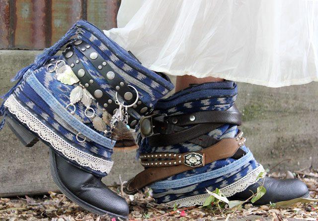 Как модно украсить весенне-осенние ботильоны и полусапожки джинсовой тканью: полусапожки