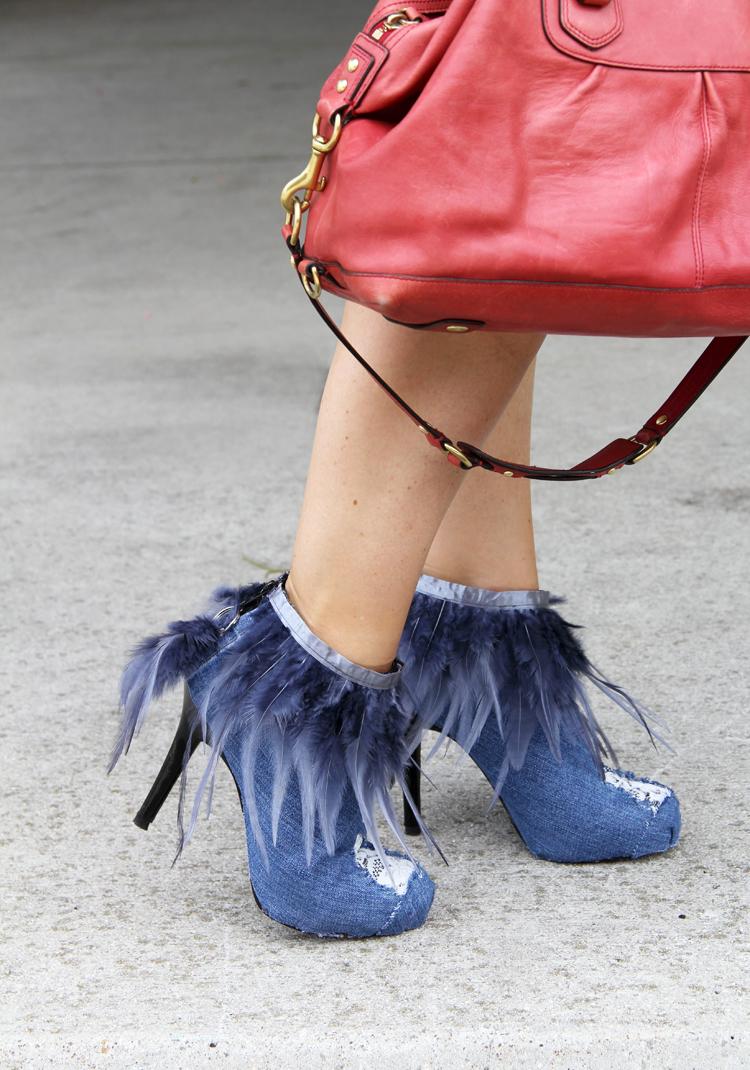 Как модно украсить весенне-осенние ботильоны и полусапожки джинсовой тканью - готовые ботильоны своими руками