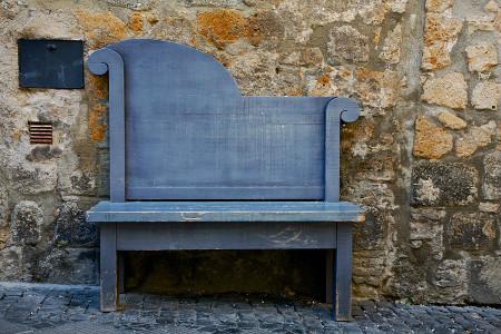 Орвието Италия удивительные уютные и волшебные улочки города скамейка оригинальной формы