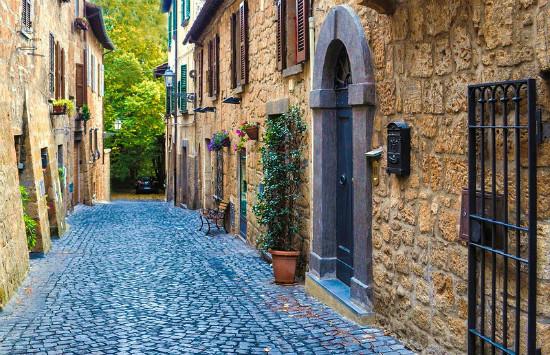 Орвието Италия удивительные уютные и волшебные улочки города голубая мостовая дорога