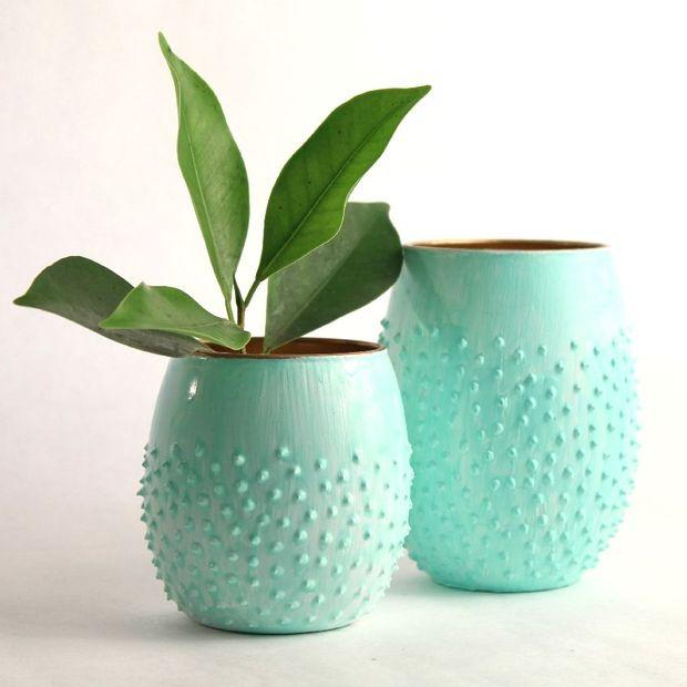 Как трендово и ярко украсить подсвечники, вазы и цветочные горшки своими руками