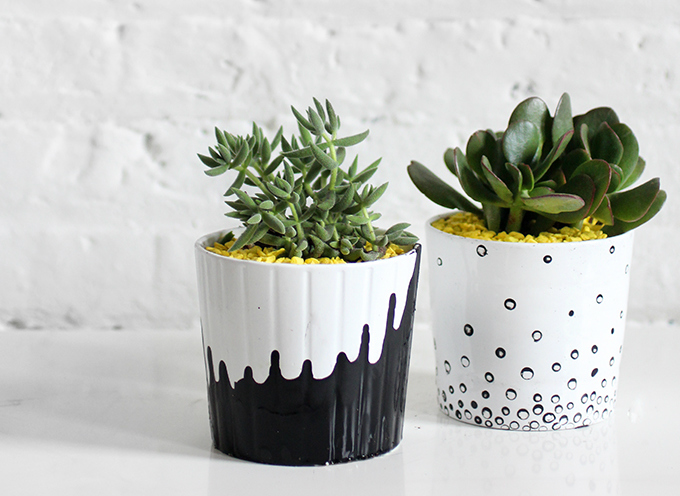 Как украсить слишком скучные белые цветочные горшки: потеки и пузырьки