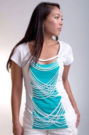 Украшаем скучную футболку: растянутые полоски спереди