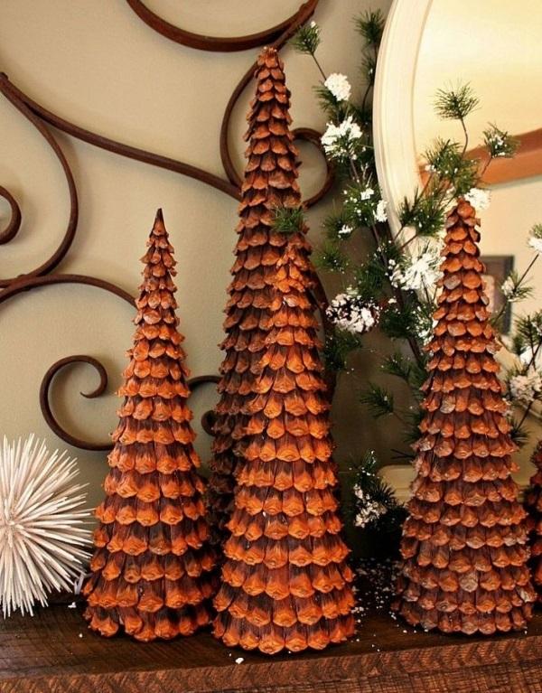 Как склеивать елки из чешуек от шишек