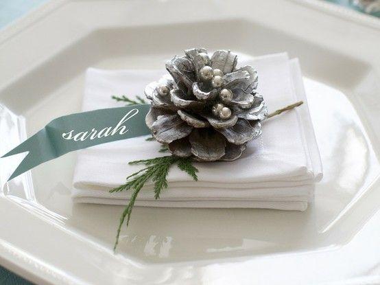 Упаковывание подарков и декорирование Новогоднего стола - декорирование салфеток
