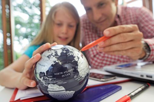 делайте домашние задания вместе с детьми