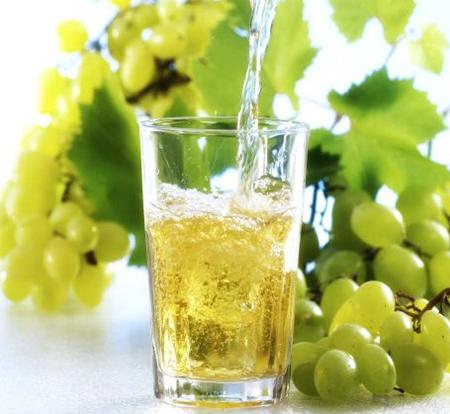 виноградный сок для ловушки на улиток