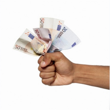 Если только для того, чтобы разделить затраты на съем жилплощади, тогда требования к человеку можно будет предъявлять гораздо меньшие