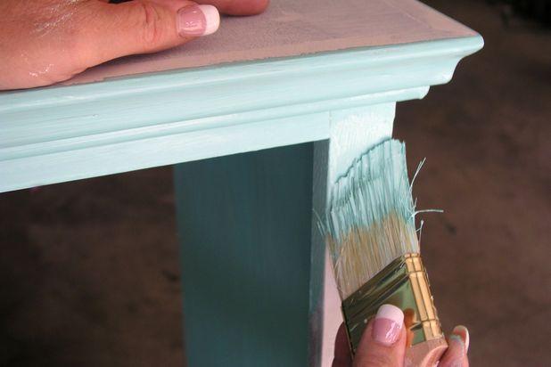 Покрасьте шкаф в веселенький цвет