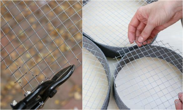 Вырежьте из металлической сетки требуемое количество кругов (или других форм для вставки внутрь в ваши картонные рамки)