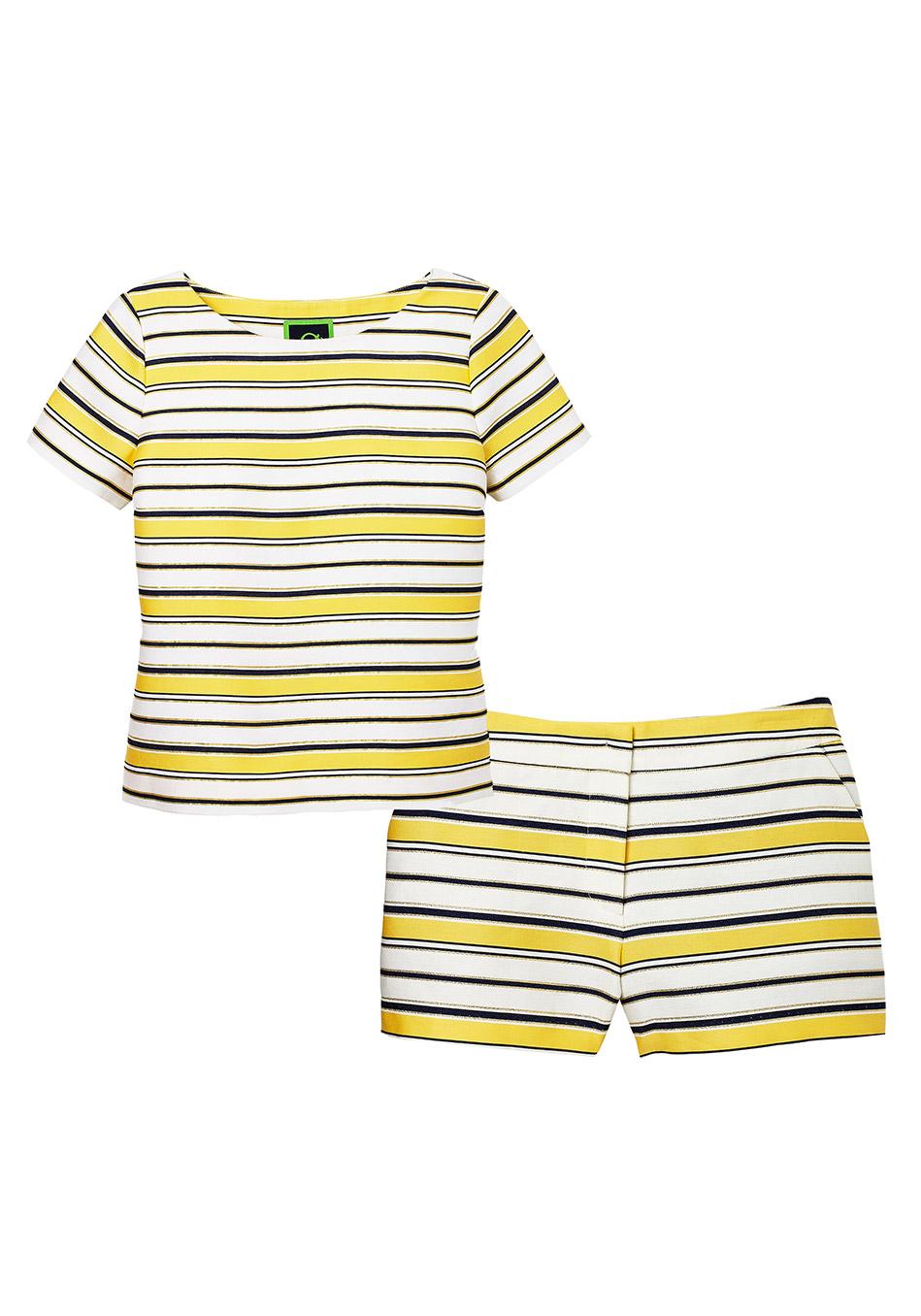 комбинация из шорт и майки одинаковой полосатой расцветки можно попробовать, будучи в вохрасте, вместо платья