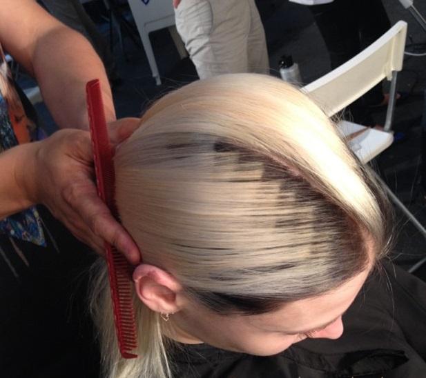 """Как выглядит новейший тренд весны 2015 в окрашивании волос """"Pixelated Hair"""" у корней"""
