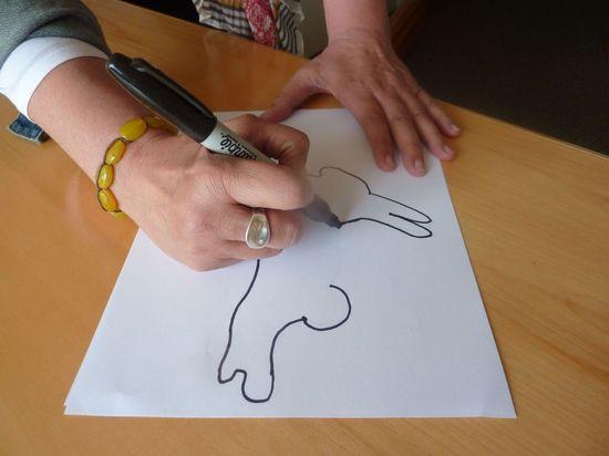 Как сделать «волшебную палочку» в форме пасхального кролика для мыльных пузырей