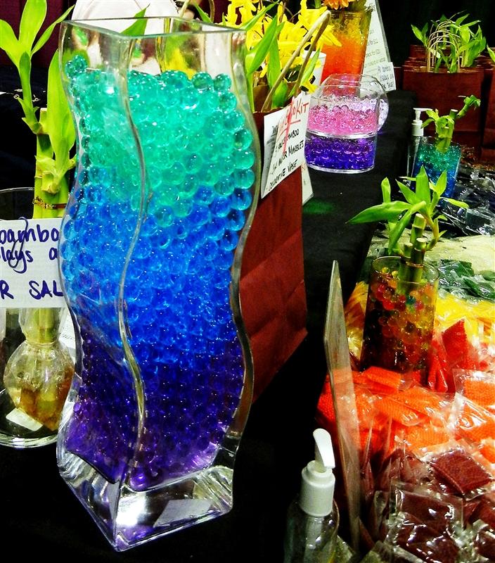 прозрачные декоративные шарики – «водяные шарики» - в интерьере: прозрачной вазе