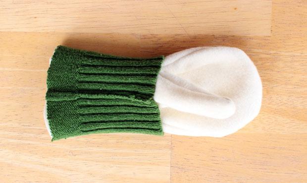 пришиваем манжеты-резинки на подкладки варежек
