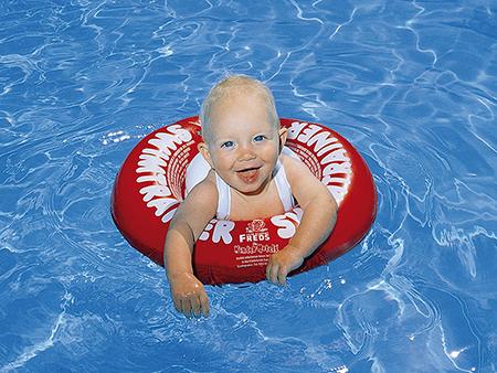 Ложному чувству безопасности так же способствуют и разные надувные и пенопластовые приспособления, помогающие ребенку держаться на поверхности воды