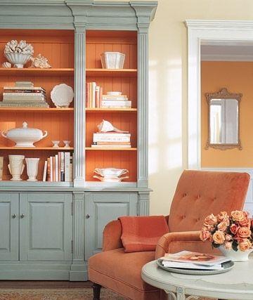 Окрасьте в яркий/контрастный тон внутреннюю часть полки/шкафа