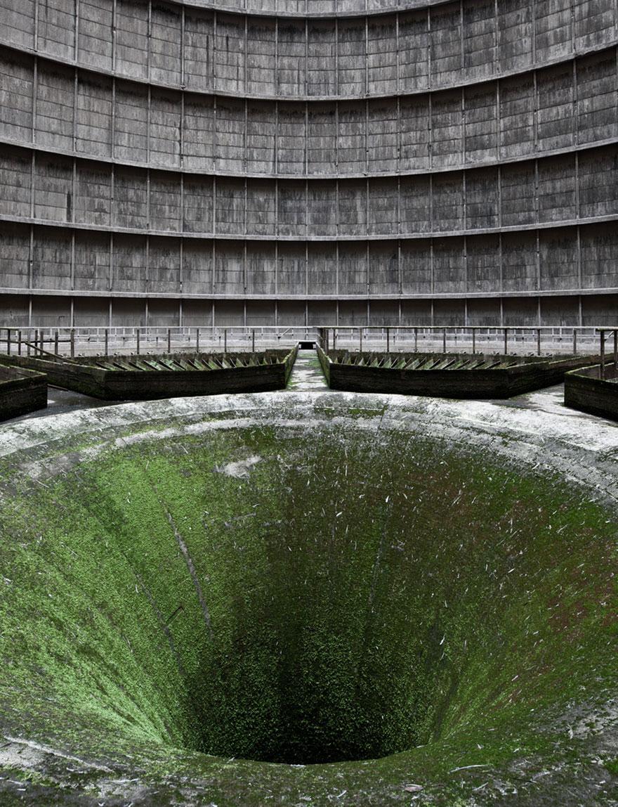 Заброшенная охлаждающая башня для воды – Монсо, Бельгия