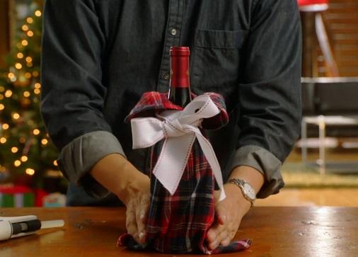 Вино, упакованное в рукав от рубашки
