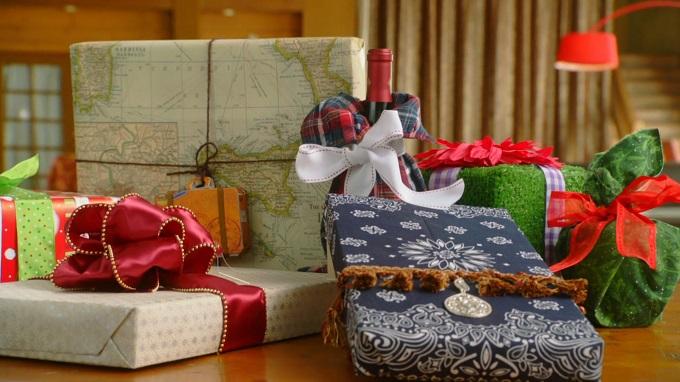 Красиво упакованные своими руками подарки нестандартной формы