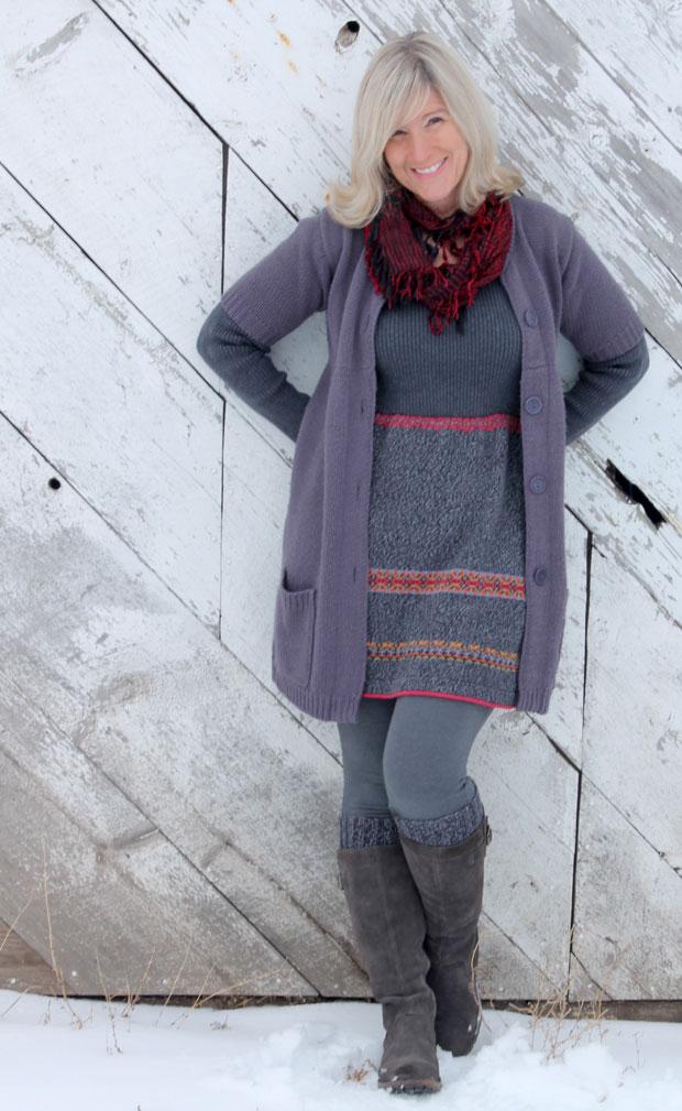 теплое платье из двух старых свитеров