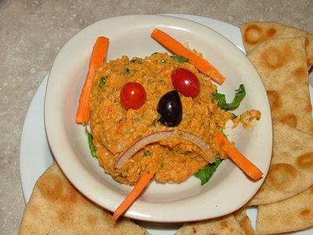 Данное блюдо – прекрасная забава для детей, но у него определенно очень ограниченный лимит поводов для использования