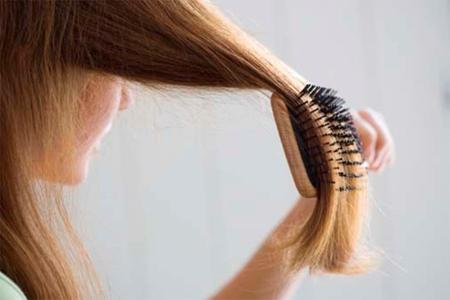 Буквально, расчесывая волосы, потирая спину и растирая конечности, вы сможете избавиться от негативной энергии, окружающей ваше тело