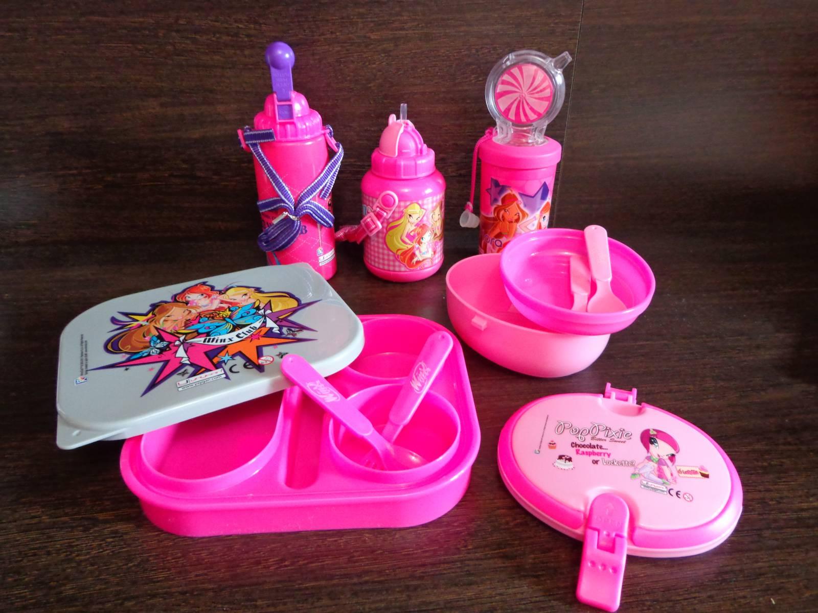 набор winx для школьника: термос, стакан, окробка для завтраков и обедов, пластиковые тарелки, миски, ложки розовые